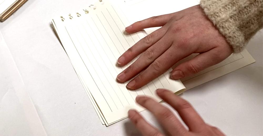 Folding paper for an elastic band sketchbook