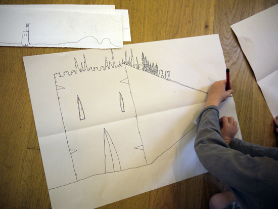 Following on from the above exercise, this resource introduces children (aged 6 to 10) to the basics of perspective in relation to drawing architecture.  They learn some simple rules of perspective drawing, before being given plenty of opportunity to develop their drawings on their own.