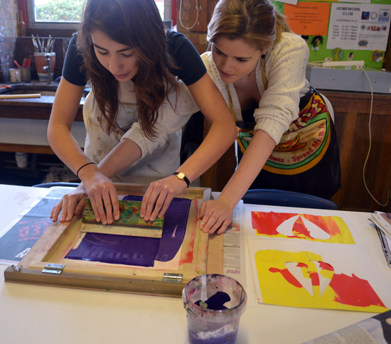 Silk Screen Printing Tips: Students at Chesterton Community College Screen Printing
