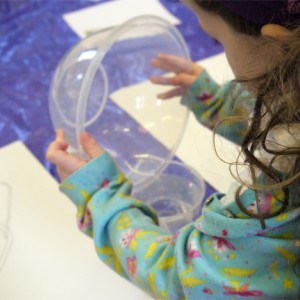 Inspired by Leonardo da Vinci - drawing pouring water. An active session in which children start with careful observation and move on to an exploration of materials.