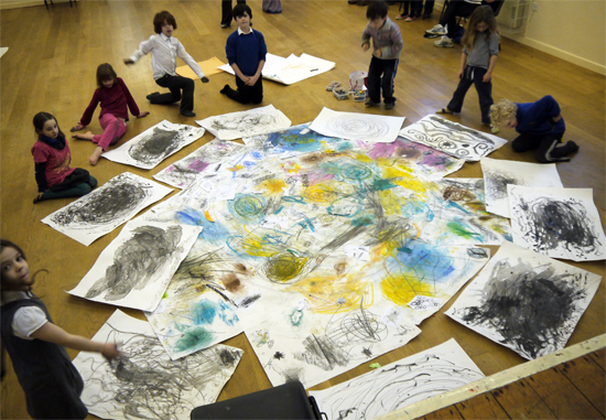 Draw a swirling spell pot full of ingrediants! Children make individual observational drawings before using them as a collage material on a communal drawing.