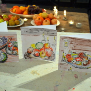 An ideal project for dark winter days! Construct a layered drawing of a winter still life using a combination of drawing, collage, mixed media and simple print-making to create a drawing or seasonal greeting card.