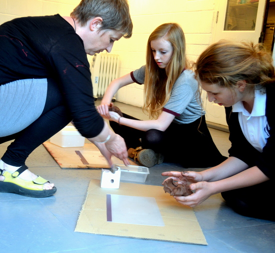 Rachel Wooller introduces casting and negative space with clay and plaster to teenagers at AccessArt's Experimental Drawing Class