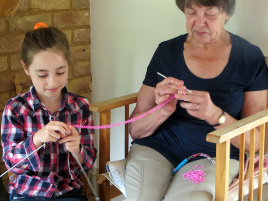 making loom bands
