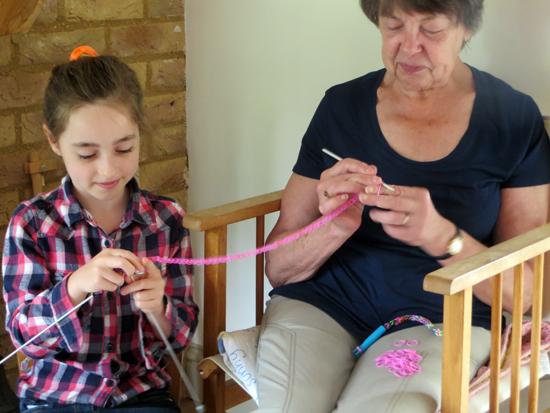 making loom bands