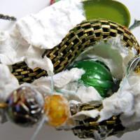 green button bead paper detail