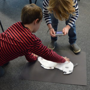 In this hour long session, pupils worked in pairs taking it in turns to be the photographer or the animator.  They shot a series of photos of their articulated drawings using digital cameras and then animated them using basic stop frame animation.  Finally, chopsticks were used to transform the drawings into articulated puppets full of character.