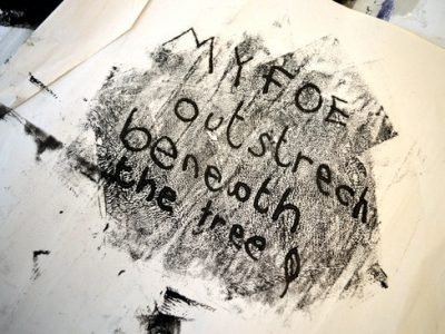 A session for teenagers exploring how mono-printing and sketchbook processes might aid a personal connection to the poetry text.