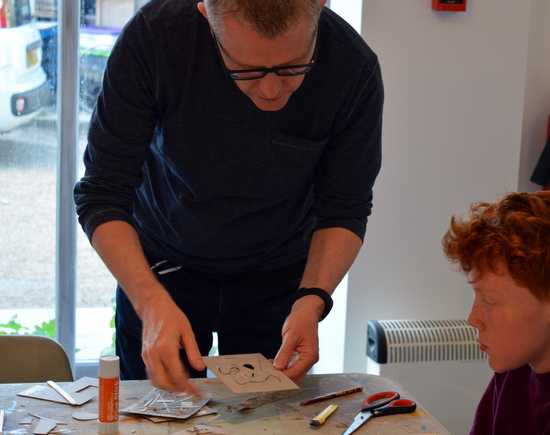 Andy Mckenzie working with students from AccessArt's Experimental Drawing Class, Cambridge