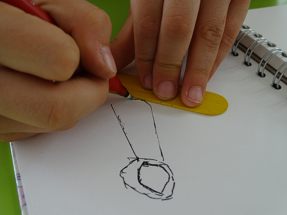 Drawing a cotton reel with only straight lines