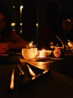 Still life elements in candle light - Exp teenagers - SC