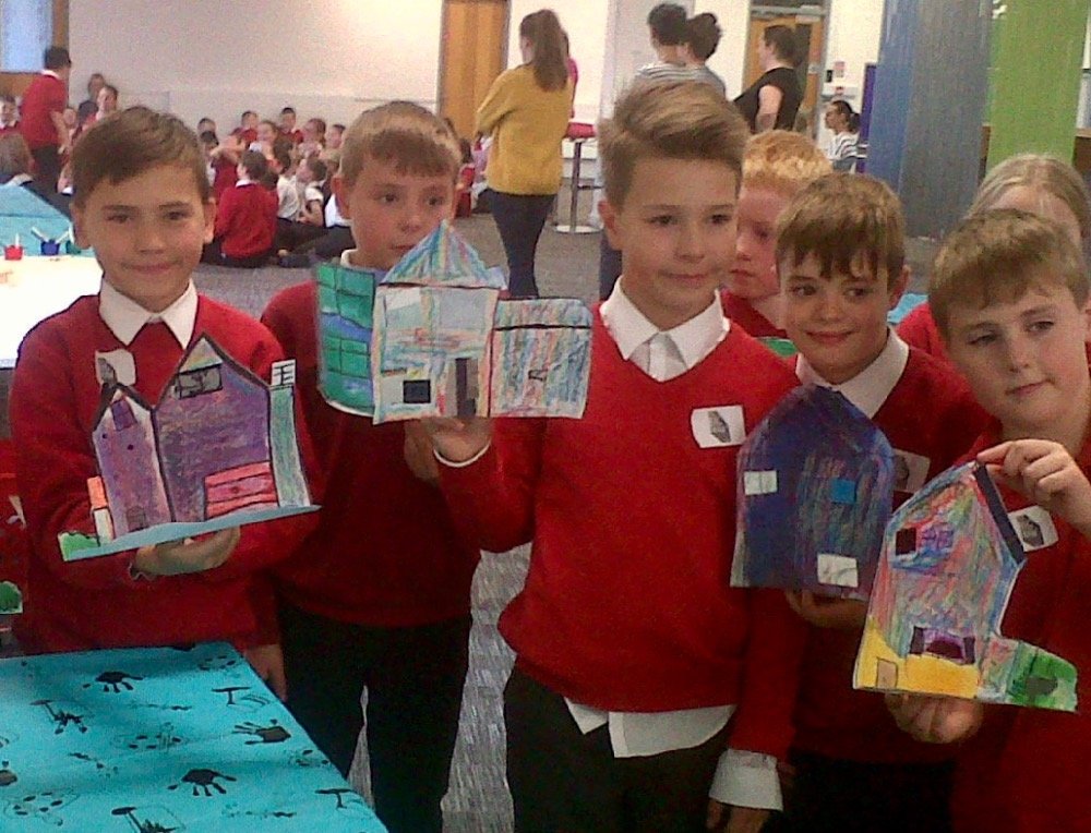 Proud artists! Year five pupils from Berry Hill Primary in Mansfield - SC