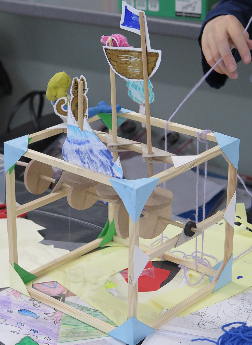 Mechanisms and structures – making a moving toy or clock explain the content of a historical painting.