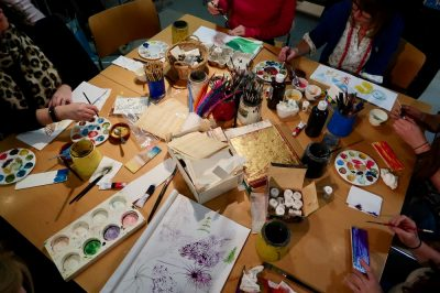 This post shares how egg tempera was used as a medium in the Italian Renaissance and how teachers interpreted the processes involved in the teaching studio at the Fitzwilliam Museum, Cambridge with AccessArt and the Fitzwilliam Education Team, as part of the CPD programme for Inspire 2020.