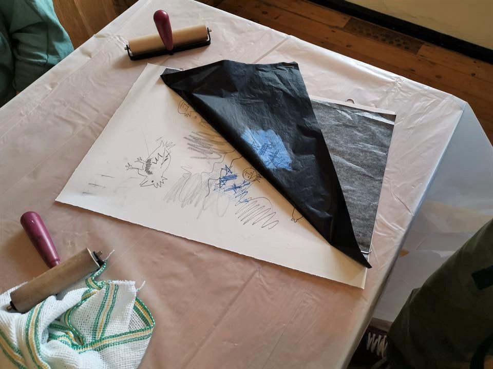 Sribbling marks onto carbon paper