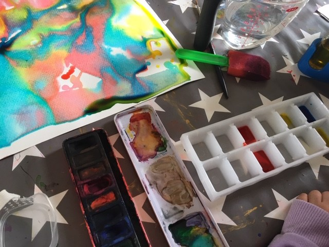 using an ice cube box to colour mix