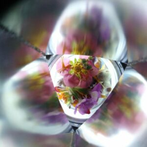 Making a kaleidoscope using natural materials