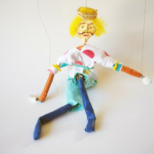 Making a marionette with wire and paper
