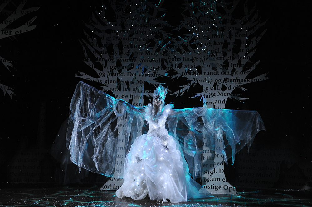 The Snow Queen performed at The Rose Theatre Kingston by Su Blackwell